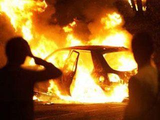 Прошлой ночью в Пскове сгорело два автомобиля