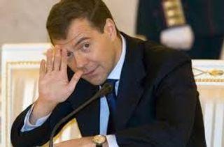 Медведев обещает сделать отдых в Крыму лучше и доступнее