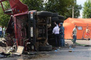 """В Ульяновской области в момент столкновения """"КамАЗа"""" с автобусом пострадали 18 человек"""