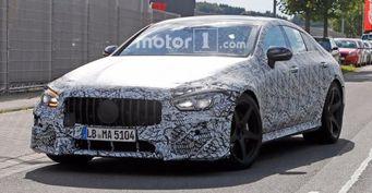 Суперседан Mercedes-AMG GT снова замечен на тестах