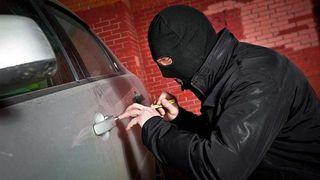 В Губкинском полицейские задержали автоугонщика