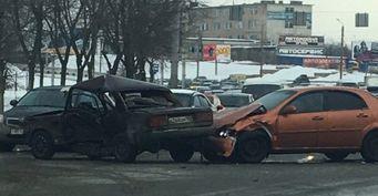 Один человек пострадал в ДТП на Братьев Кашириных в Челябинске