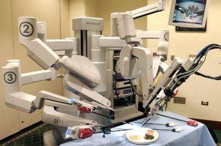 В больницах России появятся роботы-хирурги