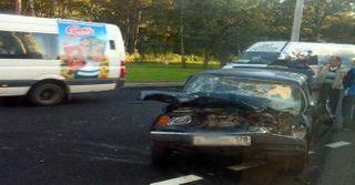 В Санкт-Петербурге столкнулись три автомобиля, пострадал 1 человек