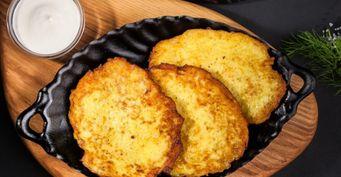 Без яиц имуки: Картофельные драники слуком испециями