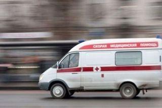 На автотрассе М-10 в Тверской области столкнулись две фуры и легковушка