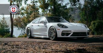 Porsche Panamera Turbo получил уникальные титановые диски