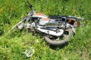 На Сахалине мотоциклист сдавал назад и разбился насмерть