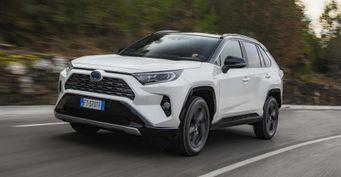 «Следующим авто Тойоту точно невозьму»: Toyota RAV4 разочаровала владельца повсем фронтам