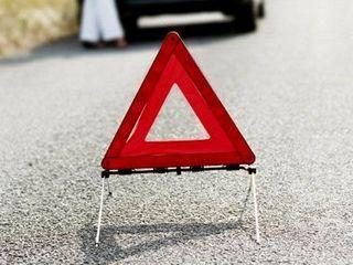 В Приморье водитель Toyota Corolla заснул во время движения и врезался в автобус