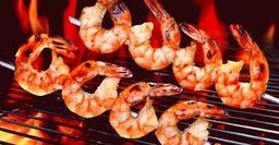 Шашлык из морепродуктов: Рецепты на мангале и в духовке