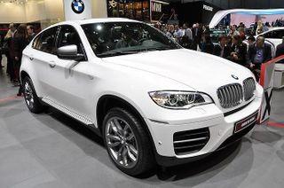 Разработчики BMW проводят тесты нового поколения кроссовера X6 M
