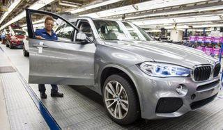BMW лидирует по продажам автомобилей в классе «люкс»