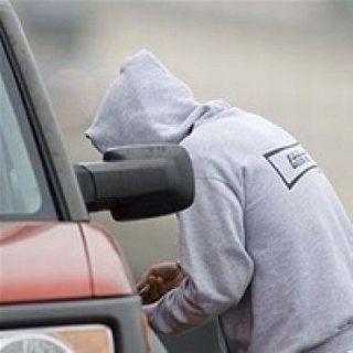 В Тобольске подросток чуть не угнал автомобиль