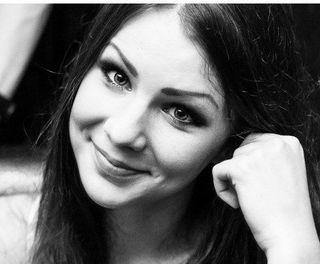17-летняя певица рассказала о романе с Александром Серовым