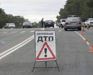 Легковушка налетела на препятствие на Светогорском шоссе, есть погибшие
