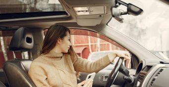 Пять дамских автоаксессуаров, которые отвлекают от дороги
