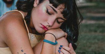 Самовыражение и подражание: психологи рассказали, почему подростки хотят татуировки