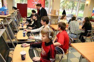 Власти Узбекистана усилили контроль за клиентами интернет-кафе