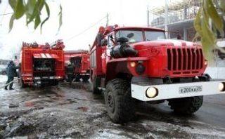 На севере Москвы пожар на складе потушен