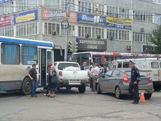 В результате ДТП в Омске на Маркса у «Каскада» образовался затор