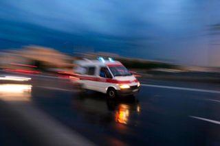 Автомобиль сбил 8-летнюю девочку на парковке ТЦ « Мега»