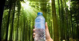 Операция «Охлаждение»: Как остудить бутылку воды без морозилки