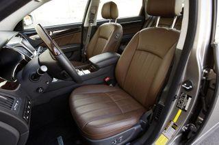 Hyundai опубликовала фотографии салона нового хэтчбека i20