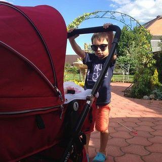 4-летний сын Маргариты Агибаловой нянчит младшую сестренку