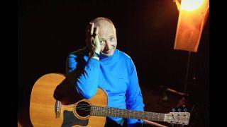Гальцев ведет канал наYouTube, где поёт свои песни Фото: YouTube