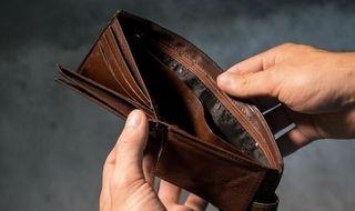 Неработающая экономика сделает кошельки пустыми. Источник фото: baltnews.com