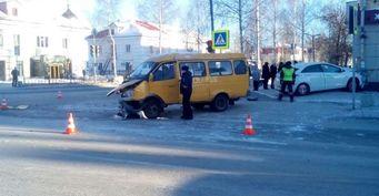 Hyundai после ДТП сбил школьника в Лесном