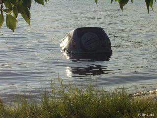 Семья из 3 человек погибла в утонувшем в озере автомобиле в Приангарье