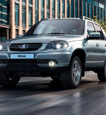 «Удачная, ноустаревшая машина»: Осудьбе LADA Niva 2020 высказался блогер