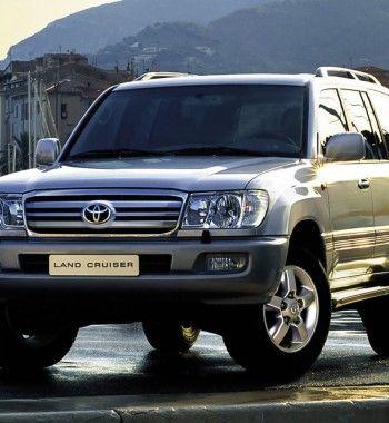«Двухсотка на фоне смотрится бедновато»: О тюнинге Toyota Land Cruiser 100 рассказал владелец