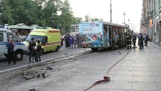 В Тюмени произошло крупное ДТП, автобус задел 7 автомобилей