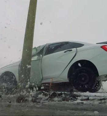 «Автотруп» на40 км/ч: LADA Vesta непрошла народный краш-тест против столба