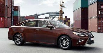 Lexus сообщил о ноябрьских скидках на автомобили в России