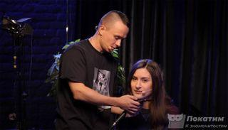 Илья Соболев насобственном шоу поймал человека напопытке измены / Фото: YouTube/Илья Соболев
