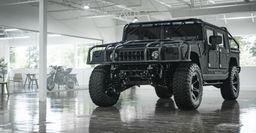Тюнингованный Hummer H1 продают за 300 тыс. долларов
