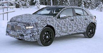 Появились первые шпионские фото обновленного Mercedes-Benz GLA
