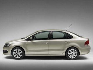 Компания Volkswagen планирует обновить седан Polo к осени