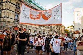 Митинг в поддержку протестов в Беларуси. Варшава, 10 авг. 2020. // Источник: «Фонд стратегической культуры»