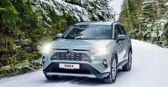 «Хотите драйва— смотрите другой автомобиль»: Toyota RAV4 нехватает динамики, признался владелец
