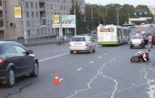 ДТП с участием мотоцикла произошло на мосту 800-летия в Вологде