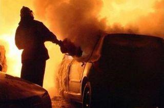 В Симферополе в результате взрыва автомобиля пострадал мужчина