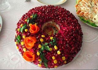 Фото: Салат «Гранатовый браслет» стунцом/Источник: profiboxing.ru