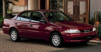«ТОП» за250 000 рублей: Обуниверсальности Toyota Carina VII рассказал владелец