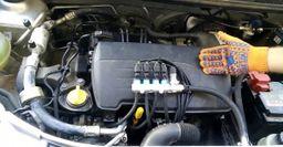 Автоэксперт показал, как не стоит устанавливать ГБО на Renault Logan