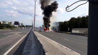В Москве в автомобиле взорвались несколько баллонов с кислородом